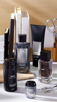 Whether you're looking for the perfect gift or to treat yourself, shop Men's Body Care from Bath & Body Works to find exactly what you're looking for! Cosmetic Packaging, Beauty Packaging, Bath N Body Works, Bath And Body, Cosmetic Design, Best Fragrances, Best Perfume, Men's Grooming, Hacks