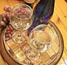 Redo It Yourself Inspirations : How to Peel Wine Corks and Flatten Them