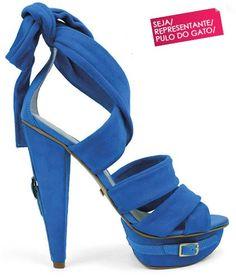 A marca de calçados Pulo do gato está sempre lançando lindas coleções de calçados e acessórios para deixar as mulheres extremamente elegantes seguindo semp
