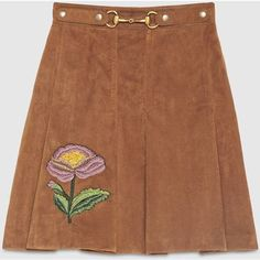 Gucci Suede Embroidered Skirt (154.375 RUB) ❤ liked on Polyvore featuring skirts, gucci, bottoms, brown, pleated skirt, knee length pleated skirt, suede skirt and brown suede skirts