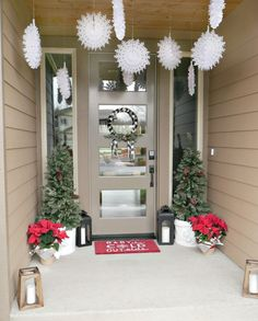 Red and White Christmas Porch from MichaelsMakers Design Dining and Diapers