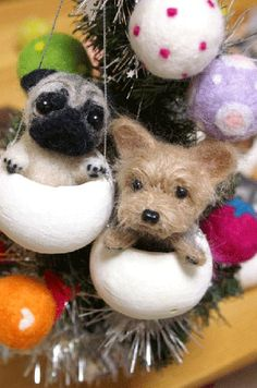 Little needle felted dogs Needle Felted Animals, Felt Animals, Wet Felting, Needle Felting, Felt Christmas, Christmas Crafts, Christmas Decorations, Felt Dogs, Felting Tutorials