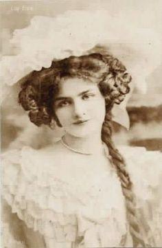 Lily Elsie Vintage Pictures, Old Pictures, Vintage Images, Old Photos, Victorian Era Fashion, Victorian Women, Edwardian Era, Lily Elsie, Silent Film Stars