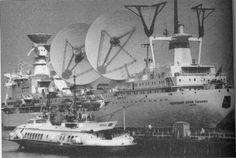 The Sailing Laboratory Named After Gagarin  http://englishrussia.com/2013/08/11/the-sailing-laboratory-named-after-gagarin/… コスモナウト・ユーリー・ガガーリンの凄みはパラボラを倒したときに真価を発揮するのだ。