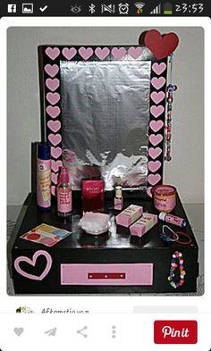 Unique Valentine Box Ideas, Valentines For Kids, Reborn Dolls, Reborn Babies, Baby Dolls, Homemade Christmas Crafts, Album Scrapbook, Newspaper Basket, Cardboard Art