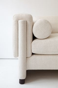 Oatmeal tweed Howard sofa, mid-century style | Egg Collective.