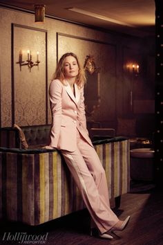 Shop Altuzarra's latest luxury women's ready-to-wear collection, accessories, bags and shoes. Vicky Krieps, Pink Tuxedo, Mahershala Ali, Lead Lady, Daniel Day, Elisabeth Moss, Day Lewis, Donald Glover, Modern Wardrobe