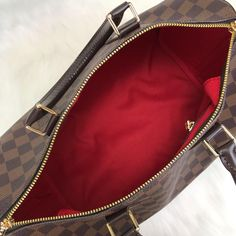 Louis Vuitton Bandoulier Speedy Bag – World Leather Design Louis Vuitton Handbags 2017, Louis Vuitton Speedy Bag, Leather Design, Handbag Accessories, Zip Around Wallet, Purses, Group, Wood Creations, Handbags