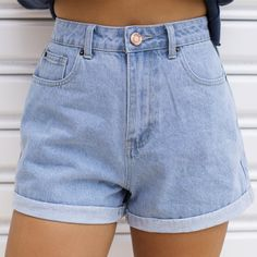 2020 Women Jeans Buckle Jeans Best Jeans Brand Best Jeans For Women – rosewew Source by juvenil femenina moda flaquitas Mom Jeans Shorts, Cute Shorts, Long Shorts, Cute Outfits With Shorts, Denim Shorts Outfit, High Rise Shorts, Women's Shorts, Hollister Jeans, High Waisted Shorts
