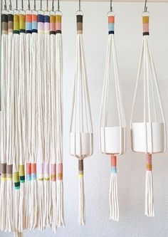 Our Slim Color-Block plant hanger is perfect to add a modern touch to any room in your home, office or creative space.This plant hanger seamless design can accommodate plant holders measuring anywhere from a to in diameter.This Slim Color-Block Plant Hang Macrame Projects, Diy Projects, Weaving Projects, Project Ideas, Diy And Crafts, Arts And Crafts, Creative Crafts, Yarn Crafts, Creative Decor