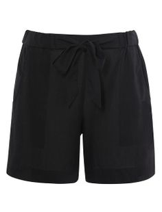 French Connection lightweight drape shorts are a relaxed fit that?s ideal for summer. Tuck in a soft T-shirt and simply add wedge heels. Fits true to size.