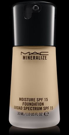 MAC Cosmetics: Mineralize Moisture SPF15 Foundation in NC15