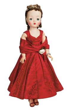 Theriault's Antique Doll Auctions M A Old Dolls, Antique Dolls, Vintage Dolls, Pretty Dolls, Beautiful Dolls, Making A Wedding Dress, Vintage Madame Alexander Dolls, Glamour Dolls, Green Gown