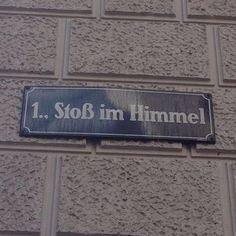 Hmmmmmmmmmmm?! #OomenTour2015 #Wien