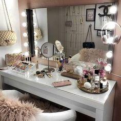 20 best makeup vanities & cases for stylish bedroom makeup vanity decor Sala Glam, Vanity Room, Mirror Vanity, Vanity Set, White Vanity Desk, Closet Vanity, Small Vanity, Mirror Set, Glam Room