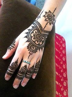 Latest Mehndi Designs For Hands - Do You Like It...???