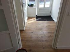 pvc vloer mooi doorgelegd - kamer/hal
