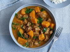 Recipe: Slow Cooker Beef and Kabocha Squash Stew by Giada De Laurentiis — Slow Cooker Recipes from The Kitchn Slow Cooker Soup, Slow Cooker Recipes, Cooking Recipes, Crockpot Meals, Cooking Tips, Peanut Curry, Lazy Cat Kitchen, Spiced Beef, Beef Curry
