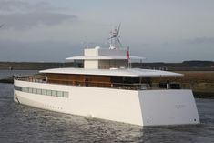 "Steve Jobs Superyacht The Venus,,,sorry folks but this is just plain ugly.  That ""clean design"" standard used on Apple products is clearly not appropriate for a yacht."