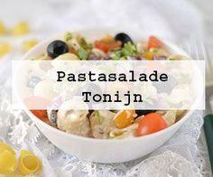 Het lekkerste recept voor witlofsalade met appel, kaas, rozijnen, walnoten en een frisse zoet-zure dressing met o.a. Griekse yoghurt en gembersiroop.