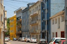 https://flic.kr/p/5HnFwu | Street Scene | Residential street in Providencia, Santiago, Chile.