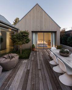 house-in-christchurch-chris-ornsby-new-zealand-cedar_dezeen_3408_15