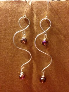 DIY wire earrings. V's Jewels on Facebook.
