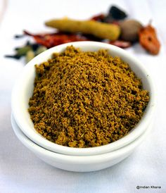 Kitchen King Masala is one of my favorite masala powder and it's used in many North Indian recipes . The flavorful kitchen king adds wo. Masala Powder Recipe, Masala Sauce, Masala Recipe, Garam Masala, Homemade Spices, Homemade Seasonings, North Indian Recipes, Indian Food Recipes, Africa Recipes