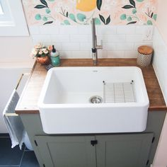 How to make wood countertops in a laundry room inexpensively. Included tutorial for making a faux butcher block countertop with plywood! Diy Tufted Headboard, Leather Headboard, Custom Cabinet Doors, Custom Cabinets, Cheap Home Decor, Diy Home Decor, Room Decor, Wall Decor, Butcher Block Countertops