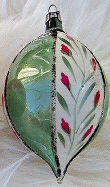 Vintage Christmas ornament, hand painted flowers- This reminds me of one my mother had and gave to me. Think it is one of the most beautiful ornaments in my collection.