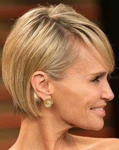 short hairstyles over 50 - short bob haircut for women over 50
