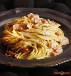 Carbonara Recept, Spaghetti, Favorite Recipes, Baking, Ethnic Recipes, Food, Bakken, Essen, Meals