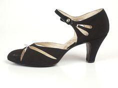 Evening Shoes, Francois Pinet: 1931, Alsacian linen, satin upper, perforation decoration
