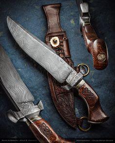 maker: Kyle Gahagan JS  #calebroyerphotography #knife #knifemaking #knives #customknives #handmadeknives #knifecommunity #handmade #knifeart #knifepics #imagecalebroyer #steel #edge #sharp #cutlery