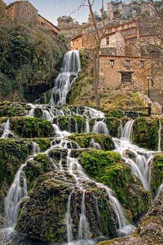 Place: Orbaneja del Castillo / Castilla y Léon, #Spain. Photo by: Jose Rodriguez (flickr.com)
