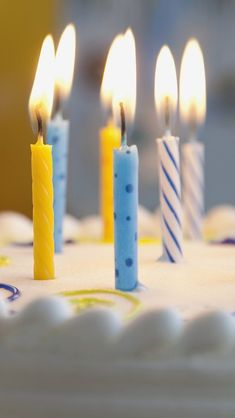 Candles on Birthday Cake iPhone 5s Wallpaper