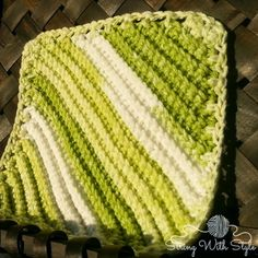 Knit Me Knot Dishcloth - FREE crochet pattern - String With Style