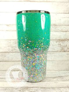 Custom Glitter Tumbler // Glitter Yeti // Personalized Ombre Tumbler // Stainless Steel Tumbler // Birthday Gift // Glitter Coffee Mug Glitter Tumbler / / Edelstahl Tumbler / / HOGG Diy Tumblers, Custom Tumblers, Glitter Tumblers, Personalized Tumblers, Custom Bottles, Insulated Tumblers, Epoxy, Glitter Crafts, Glitter Projects