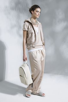 Brunello Cucinelli - Spring Summer 2016 Ready-To-Wear - Shows - Vogue. Casual Chic, Spring Fashion, Fashion Show, Urban Looks, Brunello Cucinelli, Spring Summer 2016, Petite Fashion, Athletic Fashion, Ready To Wear