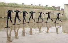 I grandi dell'arte – Scultura – Magdalena Abakanowicz Sculpture Projects, Sculpture Art, Magdalena Abakanowicz, Dancing Figures, Statues, Dance Paintings, Exhibition, Art Moderne, Art For Art Sake