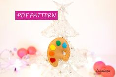 Christmas ornament pattern painter palette, do it yourself felt gift for artist, decoration Christmas tree, PDF ornament, gift for painter Easy Ornaments, Holiday Ornaments, Felt Gifts, Felt Christmas Decorations, Gifts For An Artist, Cozy Christmas, Felt Diy, Christmas Projects, Fun Crafts