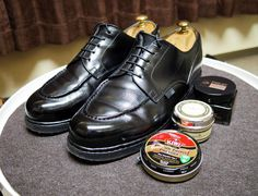 Paraboot 明日は冷たい雨の予報マリアクレマには防水効果もあるそうなので期待してます #paraboot #parabootchambord #chambord #shoes #mensshoes #rainshoes #shoecare #パラブーツ #パラブーツシャンボード #シャンボード #紳士靴 #革靴 #雨靴 #靴磨き #シューケア