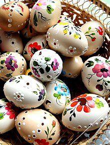 Easter 2020, Easter Parade, Easter Egg Crafts, Easter Gift, Happy Easter Wishes, Egg Tree, Easter Egg Designs, Ukrainian Easter Eggs, Egg Decorating