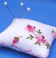 What Can You Do With Vintage HANKIES Handkerchiefs @ Nanalulu's Linens and Hankerchiefs: Vintage ladies handkerchiefs make a wonderful collectible, and they are still quite affordable.  People often ask me though, What do you do with them? How can you display them? Here are a few ideas for you. My daughter was fortunate enough to have the same initial as her great grandmother, so she was able to use her vintage handkerchief for her wedding. We incorporated the hankie right into the…