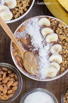 Chocolate Almond Butter Smoothie Bowl- get your day started right!