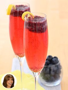 #COCKTAIL TIME! Dina Manzo of The Real Housewives of New Jersey makes a pretty mean Bellini! I've slimmed it down for an even MORE perfect #summer drink… in today's People Great Ideas!
