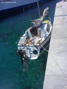 #Cabinato a vela #deriva con #bulbo, #mobile, #pescaggio #minimo 30 cm, #albero #abattibile in #navigazione, #carrellabile, #alaggio da #scivolo, costi ... #annunci #nautica #barche #ilnavigatore