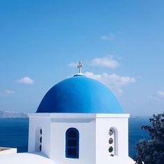 On vous emmène au cœur des Îles grecques aujourd'hui sur le blog ! #greece #santorini #travelguide #cycladesislands #see