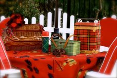 Picnic by lucia and mapp, via Flickr