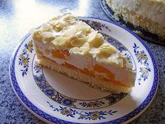 Leckere Rezepte: Pfirsich Joghurt Torte mit Vanillehauch